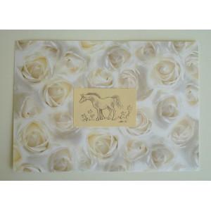 Kukkakuvioinen hevoskortti